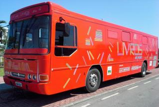 Ônibus-biblioteca do projeto 'Livros nas Praças' chega a Duque de Caxias e Belford Roxo