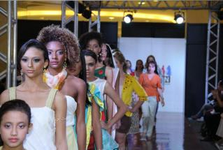 Caxias Fashion movimenta a moda na Baixada